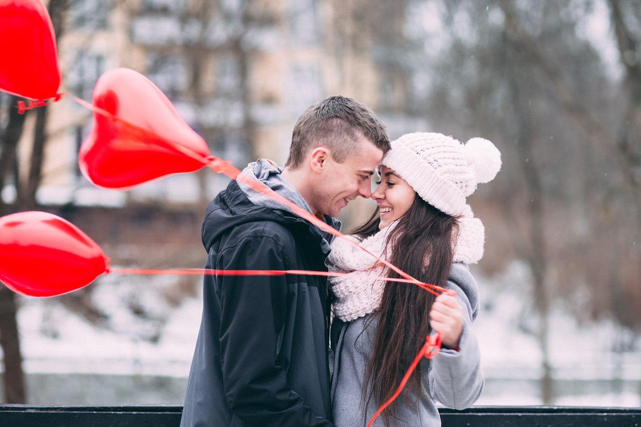 كيف تجعلين الرجل يقع في حبك بجنون